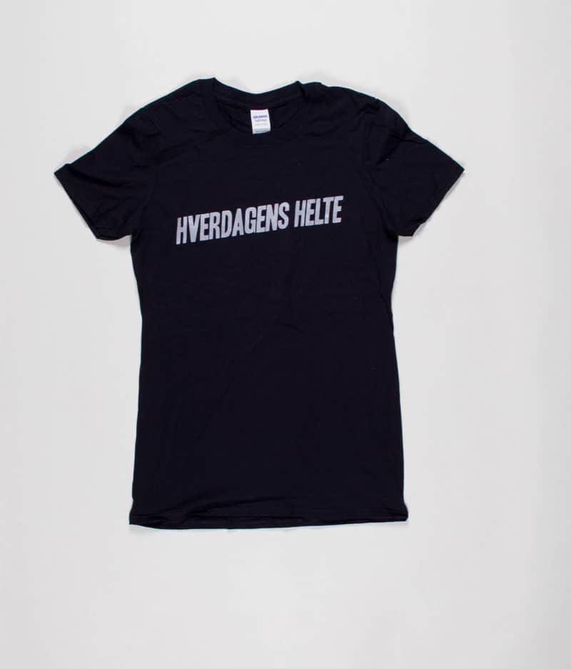 hverdagens-helte-den-officielle-hverdagens-helte-t-shirt-sort-guys