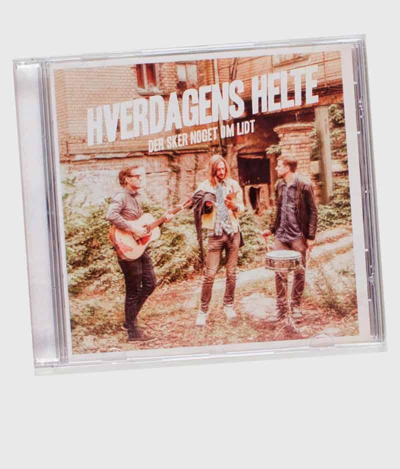 hverdagens-helte-der-sker-noget-om-lidt-cd-front